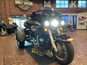 2014 HARLEY-DAVIDSON® FLHTCUTG - TRI GLIDE® ULTRA, MAROON WITH 50643 MILES AVAIL