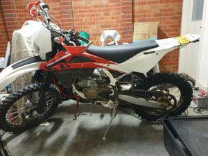 HUSQVARNA XC150 ENDURO 2 STROKE MOTORBIKE FAST NOT A KIDS BIKE, AS NEW