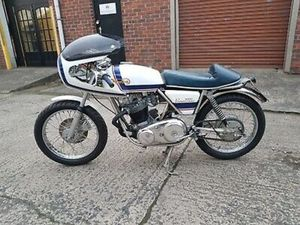 NORTON 850 COMMANDO CAFE RACER