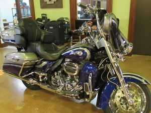 HARLEY-DAVIDSON FLHTKSE - CVO™ LIMITED 2016 USED MOTORCYCLE FOR SALE IN NIAGARA ON THE LAK