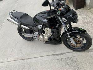 HORNET 900 2004