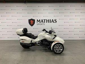 CAN-AM SPYDER F3 LIMITED GARANTIE JUSQU;EN 2023! 2017 USED MOTORCYCLE FOR SALE IN SAINT-MA