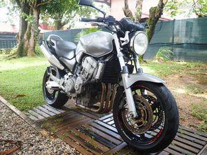 MOTO HONDA 900 HORNET