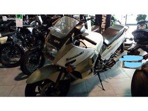 MOTO KAWASAKI 750 GPX