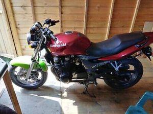 KAWASAKI ZR750F1 MOTORBIKE PROJECT