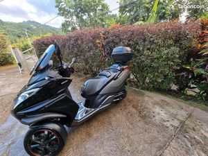 SCOOTER 3 ROUES METROPOLIS 400 RS