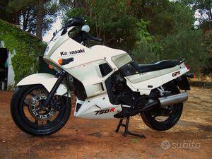 RARA KAWASAKI 750R GPX - 1988