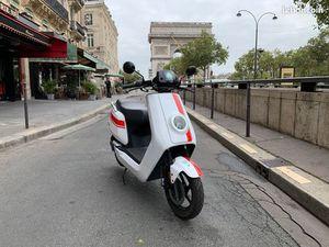 NIU PARIS - OCCASION NIU NGT 125 BLANC 9060KM GARANTIE