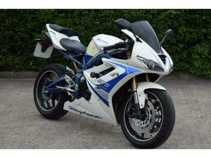 TRIUMPH DAYTONA 675 SE 2010 10 - ARROW CAN - SPECIAL EDITION | IN STOKE-ON-TRENT, STAFFORD