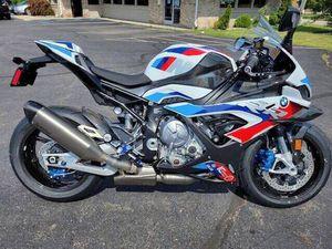 2021 BMW M1000R