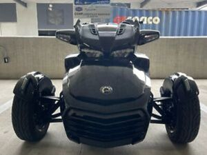 2018 CAN-AM SPYDER F3 LIMITED UNDER 800 MILES