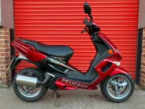 PEUGEOT SPEEDFIGHT 100 TWO STROKE, ONLY 1,580 KM FROM NEW,TWO OWNERS | IN CHELMSFORD, ESSE
