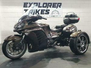 2010 KAWASAKI GTR 1400 IRS TRIKE BY TRIKE SHOP WITH EASY STEER   IN BUXTON, DERBYSHIRE   G