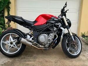 MVAGUSTA BRUTALE 910S 2008 WITH VERY LOW MILES, LOTS OF CARBON AND MVCORSE PARTS