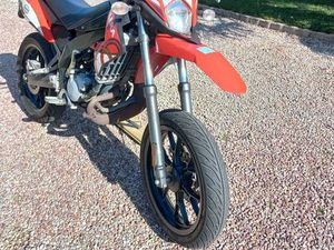 MOTO 50 GILERA SMT ROUGE