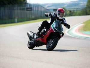 ITALJET DRAGSTER 125CC NAKED SPORTS AUTOMATIC SCOOTER   IN WIGAN, MANCHESTER   GUMTREE