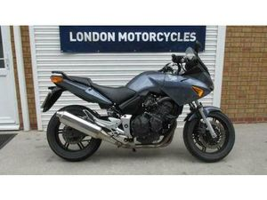 HONDA CBF 600 S4 2004 ONLY 10,000 MILES FSH 2 PREVIOUS OWNERS, LONG MOT | IN HAMMERSMITH,
