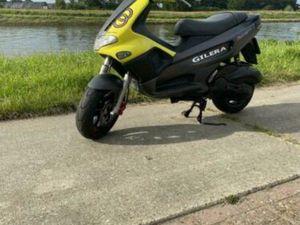 180CC GILERA RUNNER FXR NL MOTORPLAAT