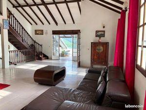 Villa 6 pièces 222 m²