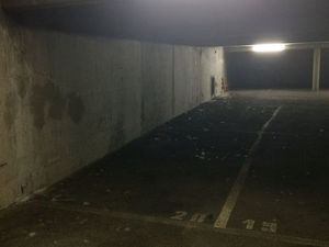 PARKING COUVERT 12 m2 Voiture ou Bateau