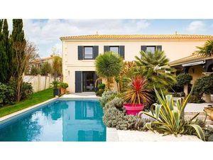 Vente maison Meschers-sur-Gironde 17132 - 1250000 € - Surface Privée
