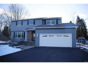 Résidentiel à vendre  Maison individuelle 308 Ripplebrook Lane  Minoa  New York 13116  Éta