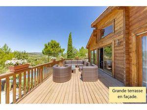 Réseau Bonaparte - Malika Hamache 06 15 64 24 15  vous propose cette belle villa contempor