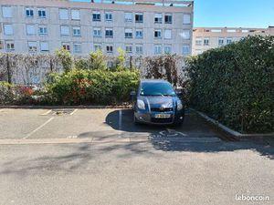 Places de parking à louer franconville
