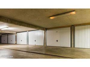 Loue Garage/ Box Fermé dans résidence sécurisée