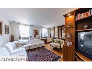 Maison de Prestige en Vente en Italie : Saint-Marc. A quelques pas du bateau à vapeur du g