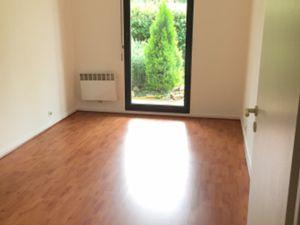 Appartement de type T3 situé au rdc dans une résidence Cours Louis Blanc -33 110 LE BOUSCA