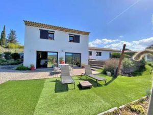 3 bedroom villa for sale with 1 040m2 of land  Le Plan de la Tour  Var   Cote d'Azur Frenc