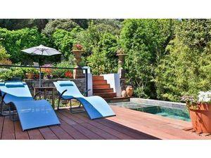 Vente maison 6 pièces 160m2 Hyères 83400 - 920000 € - Surface Privée