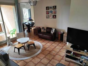 Location appartement 2 pièces 61 m² Antibes (06600) - 852 €