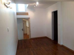 Location appartement 2 pièces (cuisine aménagée  en pierre) Libourne Centre-ville