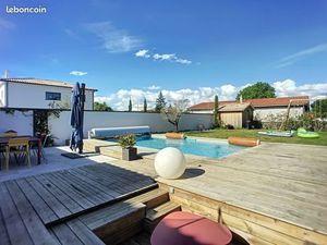 Vente maison (terrasse  piscine  au calme  bureau  cellier  dressing) Pessac