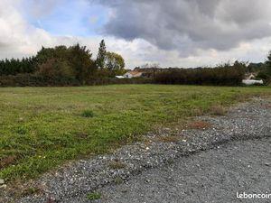 Terrain 1 040 m² Beceleuf