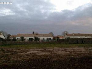 Terrain 670 m² Chatillon Sur Thouet