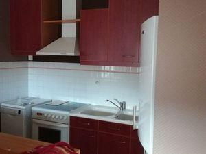 T2 meuble tres propre + garage centre ville dispo 1 er juin