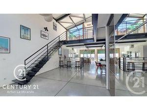 Maison à vendre de 5 pièces et de 187 m2 à ST ESTEVE