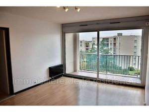 Location appartement 3 pièces (parking  cave  ascenseur  balcon) Rognac