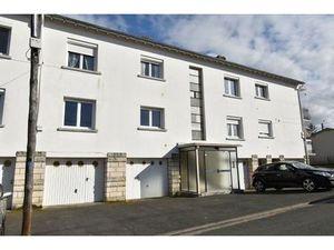 Location appartement 3 pièces (garage  parking  cuisine équipée  balcon) Saintes