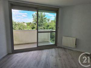 Location appartement 1 pièce (parking  bureau  balcon  rénové  rangement) Pessac