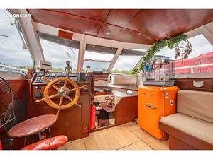Bateau navigant 35m2 Paris 16ème