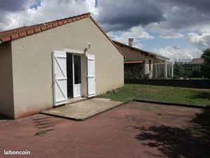 Aubière près Cézeaux/tram petite villa F3 récente 690
