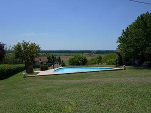 Vente maison (garage  terrasse  piscine  cuisine équipée  cheminée  double vitrage) Tonnei
