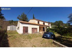 Maison provençale 2 appartements 4 pièces sur terrain de 1494m²