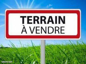 Terrain 1 048 m² Auneuil
