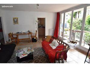 Appartement familial avec balcon et parking à Jourdain