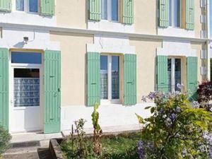 Vente maison (garage  bureau  cuisine aménagée  cheminée  en pierre  dépendance) Beaugeay